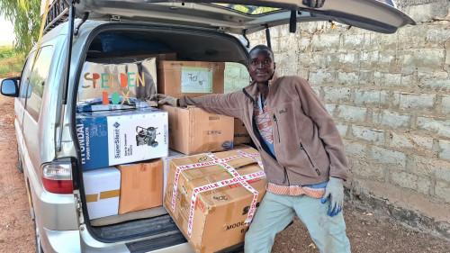 Auch die Spendenbox ist angekommen
